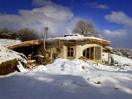 Dům perfektně zapadl do okolní krajiny.