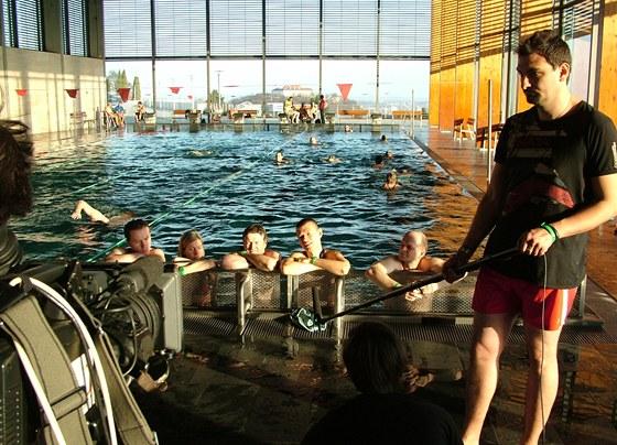 Natáčení v bazénu na Kraví hoře