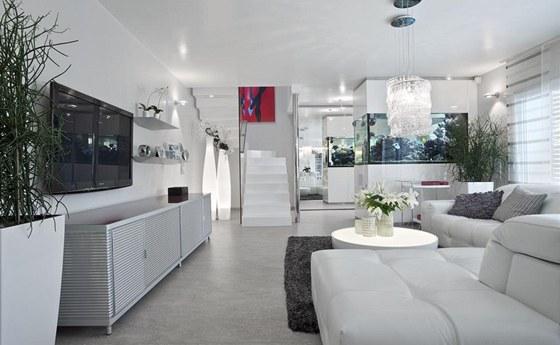 Intenzitu osvětlení celého interiéru je možné podle potřeby regulovat a
