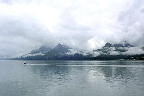 Záliv Prince Williama, kde leží přístavy Valdez a Cordova a havaroval tanker