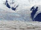 Ledopád Stairway Icefall nedaleko Kennecottu je téměř dva kilometry vysoký a