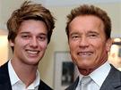 Arnold Schwarzenegger se synem Patrickem Arnoldem při otevření svého muzea v Thalu