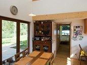 Dům je řešený jako volný obytný prostor.