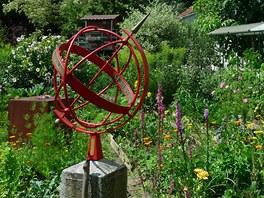 Pohled do inspirativní přírodní zahrady Johanna Jindry v rakouském Weitenu