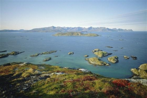 Podzim v plném rozkvětu ve vodách Norského moře nedaleko města Tromso