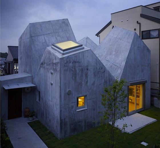 Dům navrhla mladá dvojice architektů z tokijského studia Torafu, Koichi Suzuna