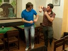 Matt Harding učí Janka Rubeše tancovat jako Matt