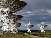 Soustava radioteleskopů VLA (Very Large Array) na pláních sv. Augustina v Novém