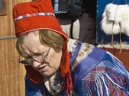 Sámská žena v tradičním oblečení