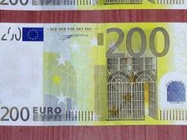Detail falešné bankovky 200 eur.