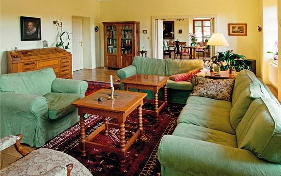 Hlavní obytné místnosti jsou propojené širokým vstupem.