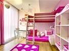 Dívčí pokoj je zařízen nábytkem značky Doimo Cityline z kolekce Pink od