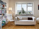 Nábytek, na rozdíl od pevných částí stavby, se dá v průběhu času snadno doplňovat či zaměnit.