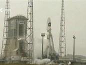Raketa Sojuz s prvními dvěma staleity navigačního systému Galileo krátce před