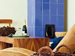 Nejenom atmosféru v obývacím pokoji proteplila stylová kachlová kamna postavená