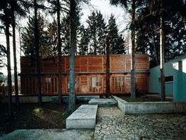 Rodinný dům H.H.H. Projekt se snažil chytře propojit obě kvality pozemku -
