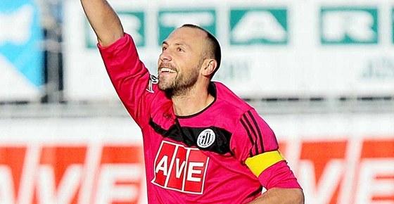 NEČEKANÝ STŘELEC. Fotbalistům Českých Budějovic pomohl k první výhře v sezoně dvěma brankami stoper Roman Lengyel.