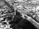 Viadukt na trati Cheb - Aš a okolí po bombardování v roce 1945, záběr z