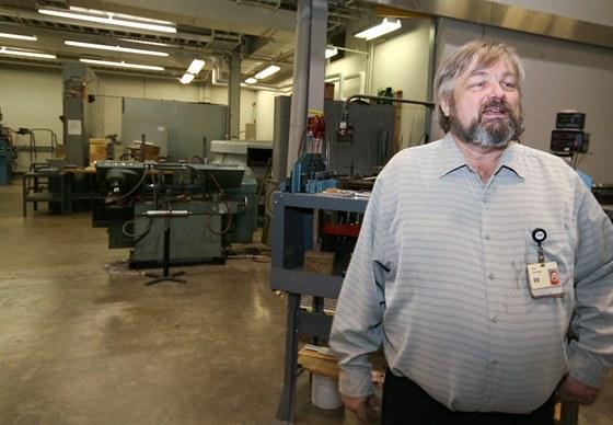 Bryan Van Alstyne má na starosti testování notebooků, počítačů a dalších