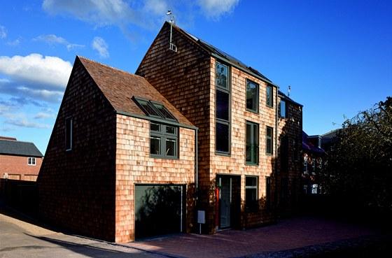 Dům s názvem CarbonLight Homes je postavený v obci Rothwell.