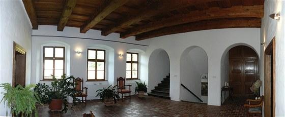 Originální půdovková historická dlažba v hale v prvním patře je původní.