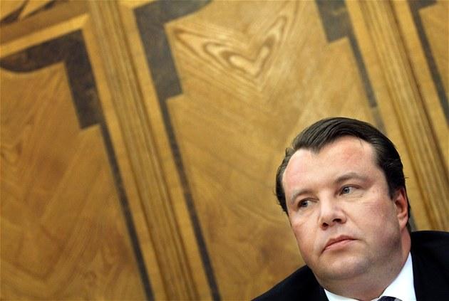 Tisková konference ministra pr�myslu a obchodu Martina Kocourka (9. listopadu