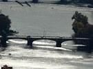 Most Legií stojí mezi Jiráskovým mostem (úplně nahoře) a Karlovým mostem (druhý