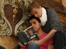 Gayové čtou Obraz Doriana Graye od Oscara WIldea (z projektu Book-cool-in