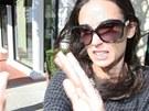 Demi Moore napadla fotografa.