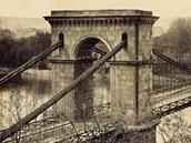 Řetězový most Františka I., který vedl od dnešní Národní třídy přes Střelecký