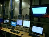 Velká komora pro přesné měření vyzařování.
