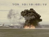 Letecké katastrofy - hořící křídlo Boeingu 737 při letu British Airtours číslo