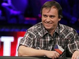 VESELÁ BITVA O MILIONY. V podání Martina Staszka je mnohahodinové pokerové
