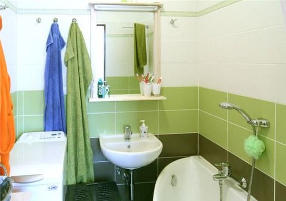 I když prostor panelákové koupelny 1,70 m × 2,55 cm příliš velké zázraky
