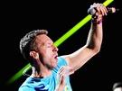 �vodn� hudebn� ��slo na koncertn�m jevi�ti vyst�ihli Coldplay, kte�� p�ed n�kolika dny vydali novinku s n�zvem Mylo Xyloto. V kotli fanou�k� to doslova v�elo.