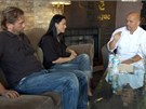 Majitelka Cafe Prague v Chicagu s partnerem naslouchají Pohlreichovi, aby se...