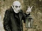 Z kalendáře Proměny 2012: Bolek Polívka jako Nosferatu