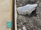 Zku�ebn� vrty odhalily v podlo�� d�lnice D47 nejr�zn�j�� odpad..