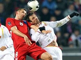 HLAVIČKOVÝ SOUBOJ. Tomáš Pekhart svedl v baráži proti Černé Hoře nejeden