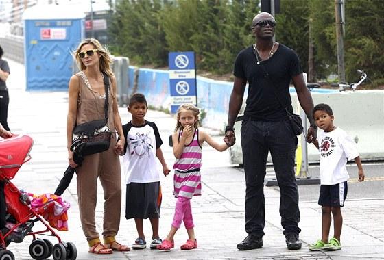 Seal s man�elkou Heidi Klumovou a jejich d�tmi