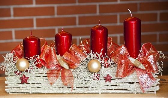 Červená patří k typickým barvám českých Vánoc.