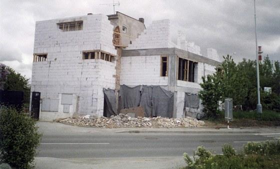 Průběh rekonstrukce. Zdroj: www.mujdum.cz.