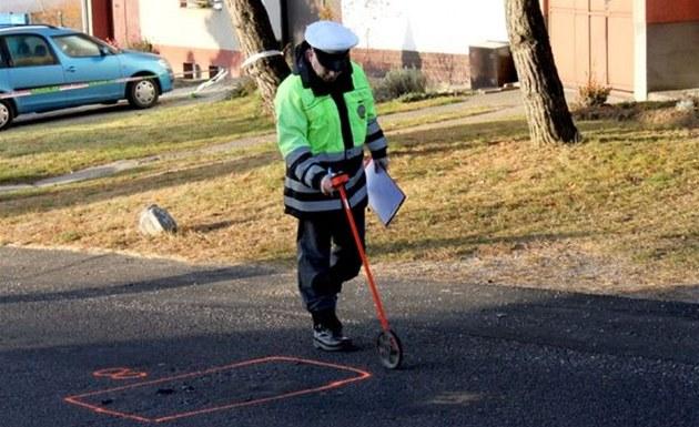 Policista zji��uje p�í�iny tragické nehody v Bor�icích u Buchlovic. (28.