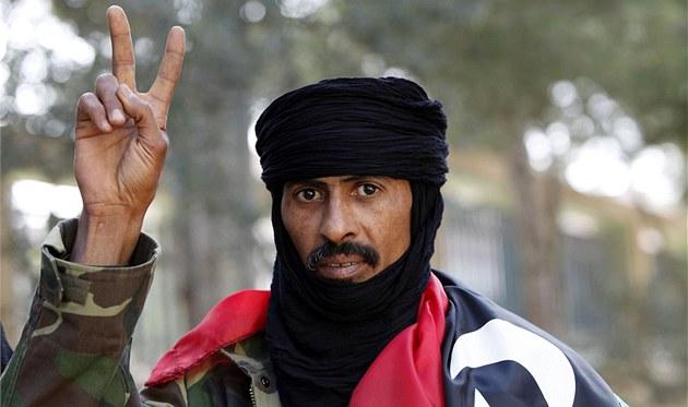 Júsuf Sálih Hutmání se stal nejnov�j�ím libyjským hrdinou. Slíbil, �e p�evede