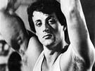 Sylvester Stallone p�ed 32 lety jako filmov� Rocky. Te� produkuje stejnojmenn�