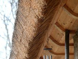 Detail střechy z rákosu