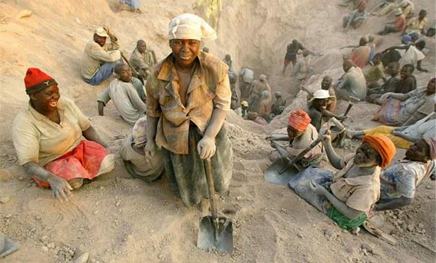 Diamantový d�l v Marange na východ� Zimbabwe. (listopad 2006)