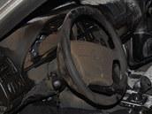 Mercedes po požáru v Cholticích (1. prosince 2011)
