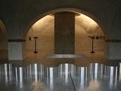 Suterén - výstava D. Chatmy (2003)