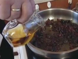 Nezapomeňte zalít rumem.